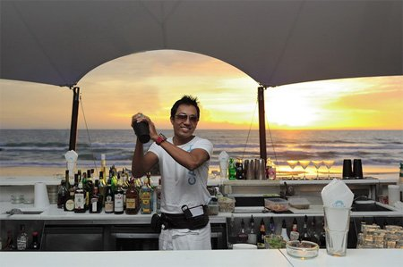 Travel the world as a Bartender