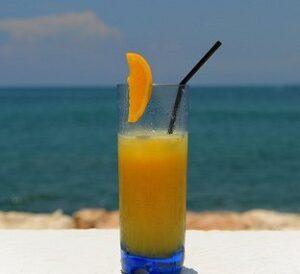 orange vodka screwdriver cocktail